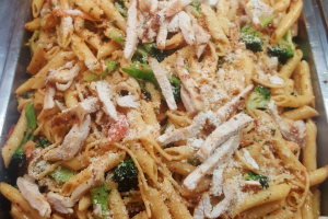 Pasta with Grilled Chicken and Roasted Garlic - delivery menu