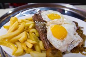Bistec a Lo Pobre - delivery menu