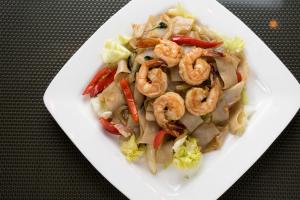 28. Pad Kee Mao - delivery menu
