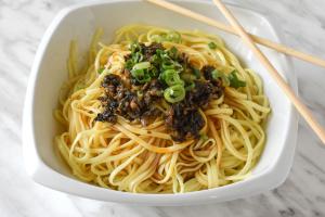 9. Dan Dan Noodle - delivery menu