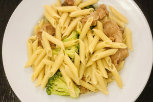 Penne with Chicken and Broccoli - delivery menu