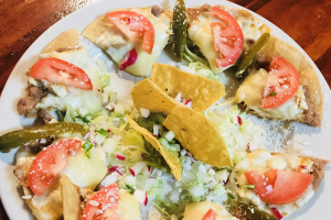 Nachos con Pollo - delivery menu