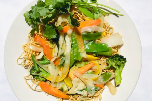 Crispy noodles with vegetables Lunch Combo - delivery menu