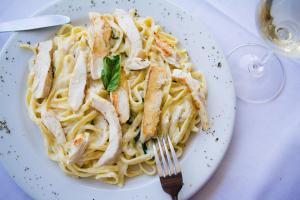 Fettucine Alfredo - delivery menu