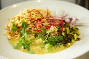 91. Kao Soy Soup - delivery menu