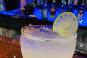 Regular margarita (lemon, on the rocks  or frozen 12oz) - delivery menu