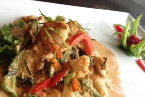 Panang Noodle Entree - delivery menu