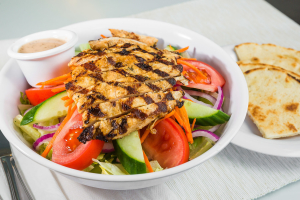 L6 - Garden Salad with Grilled Chicken - delivery menu