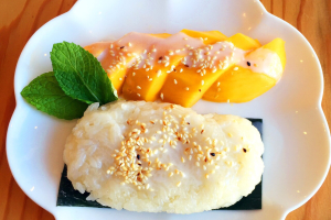 Sweet Mango with Coconut Sticky Rice - delivery menu