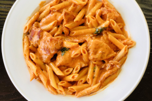 Penne a la Vodka with Chicken - delivery menu
