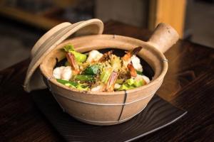 Geyser Shrimp Clay Pot - delivery menu