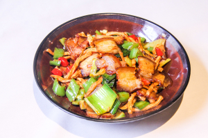 148. Sauteed Preserved Pork with dried Turnips萝卜干炒腊肉 - delivery menu