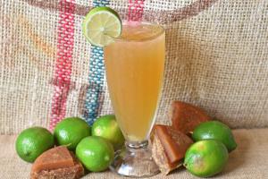 Agua Panela con limon / Papelon - delivery menu