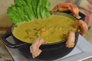 Cazuela de Mariscos con arroz de coco - delivery menu