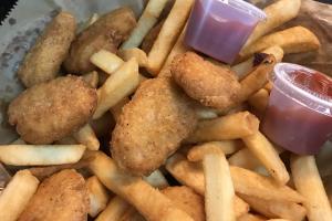 Chicken Nuggets C/Papas Fritas - delivery menu
