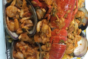 Seafood with Yellow Rice for 8 People - delivery menu