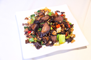 151. Sauteed Preserved Beef with White Chili白辣椒腊牛肉 - delivery menu