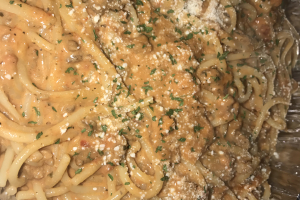 Pasta Bolognese Meat Sauce in Light Cream - delivery menu
