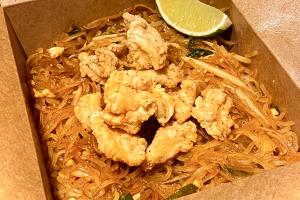Crispy chicken  Pad Thai - delivery menu