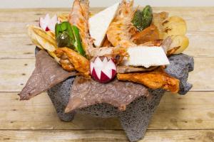 129. Molcageta Mar y Tierra - delivery menu