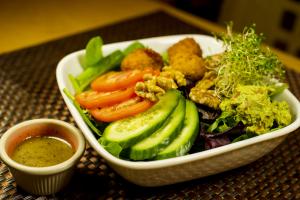 S4. Falafel Salad - delivery menu