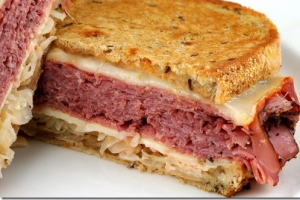 3S. Hot Corned Beef Sandwich - delivery menu
