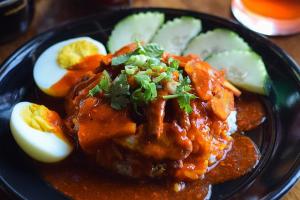 Kow Moo Dang - delivery menu
