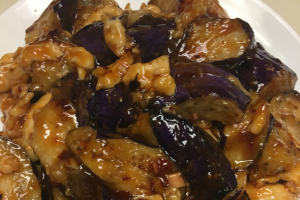 69. Large Chicken with Eggplant in Garlic Sauce - delivery menu