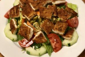 BREADED CHICKEN SALAD - delivery menu