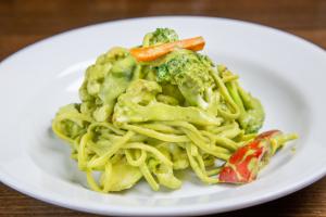 Tallarin Verde Vegetariano - delivery menu