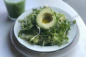 Kale Zinger Salade - delivery menu