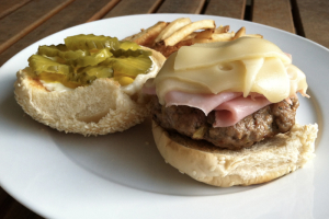 Hamburgesa Cubana Sandwich - delivery menu