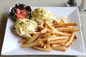 Classic Eggs Benedict - delivery menu