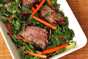 B2. Spicy Sesame Beef Salad - delivery menu