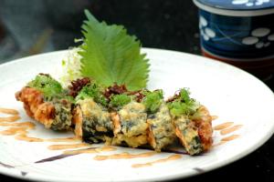 Spicy Garlic Albacore Roll (Tempura) - delivery menu