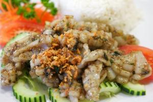 118. Pla Muk Gra-Tiem - delivery menu