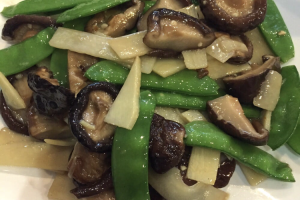 113. Mushroom, Bamboo Shoots and Snow Peas - delivery menu
