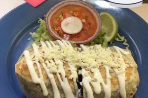 Burrito con Pollo - delivery menu