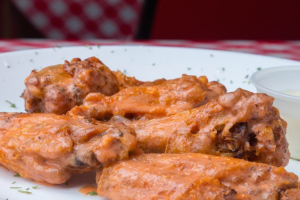 5 Pieces Chicken Wings with Blue Cheese - delivery menu