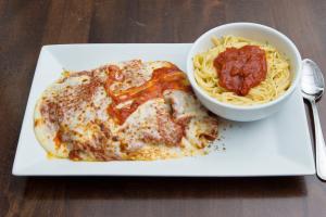 Pechuga de Pollo a la Parmigiana - delivery menu