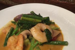 L11. Coconut Curry Shrimp Lunch - delivery menu