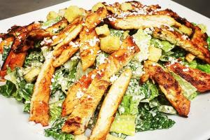 Ensalada de Pollo a la Parrilla - delivery menu