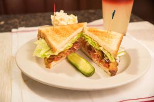 BLT Sandwich Deluxe - delivery menu