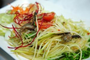 16. Som Tum Poo Salad - delivery menu