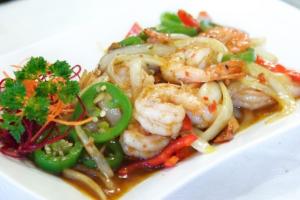 117. Koong Pad Prig - delivery menu