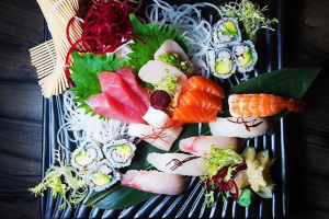 Sushi and Sashimi Combo - delivery menu