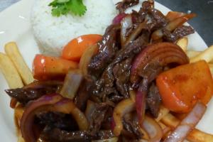 Lomo Saltado de Carne - delivery menu