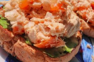 Spicy Tuna Salad on a Bagel - delivery menu
