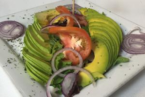 Ensalada de Aguacate Paisa - delivery menu