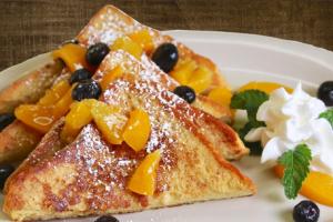 La lechera & Peaches French Toast - delivery menu